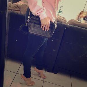 💕 Louis Vuitton Crossbody 💼